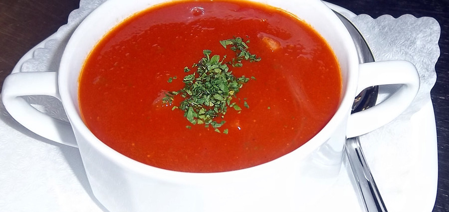 Tomaten-Minze-Suppe